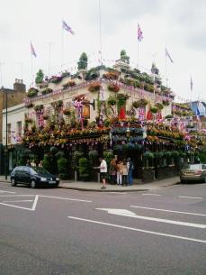 A favorite South Kensington haunt.